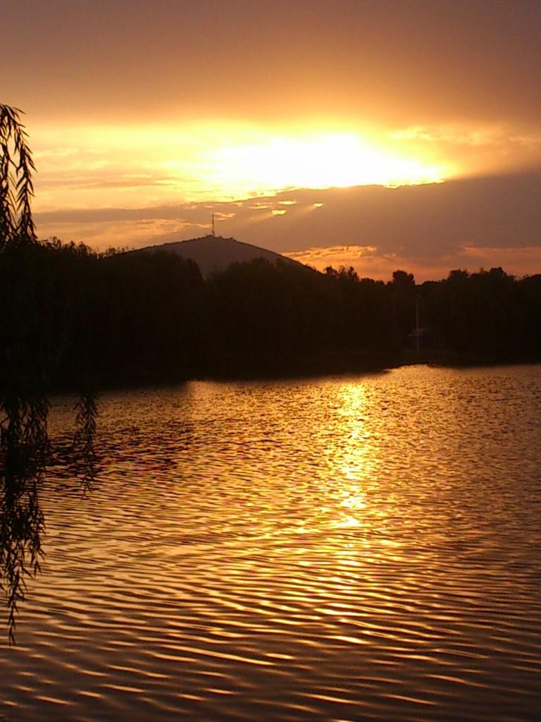 Новопятигорское озеро. Рассвет.
