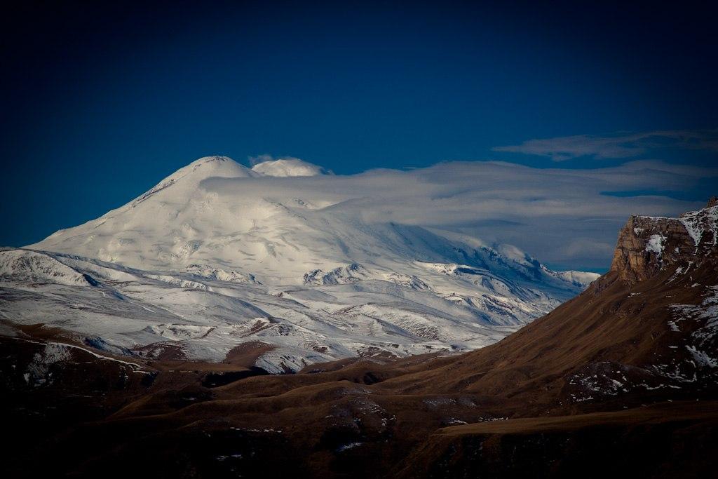 Гора Эльбрус. Высочайшая вершина России и Европы.