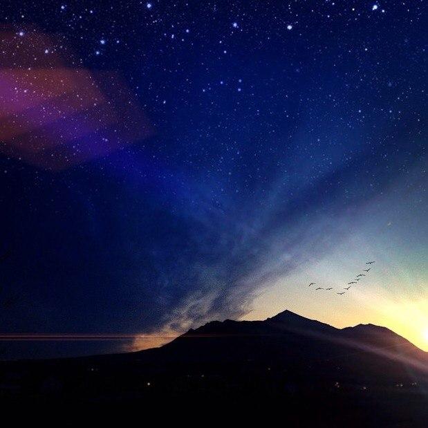 Пятигорск ты просто космос! Закат, вид на гору Бештау и звездное небо.