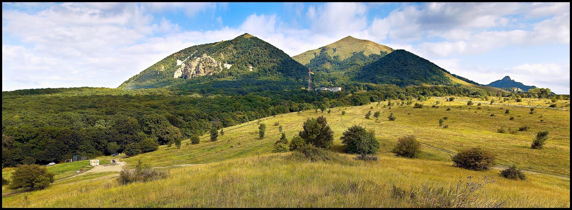 Фото горы Бештау со стороны города Лермонтова