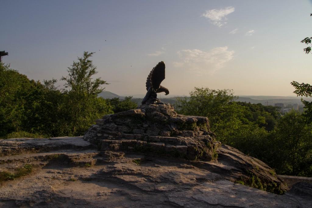 Скульптура Орла в городе Пятигорске