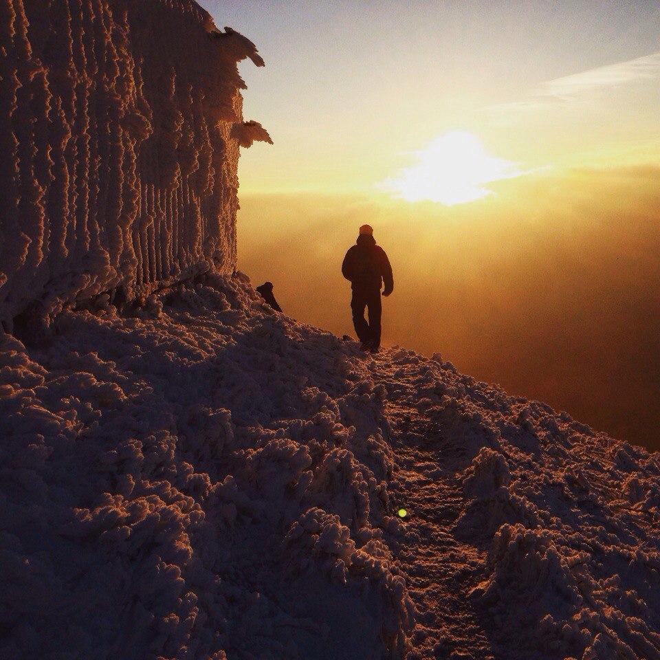 гора Бештау, зима в Пятигорске, иней, закат