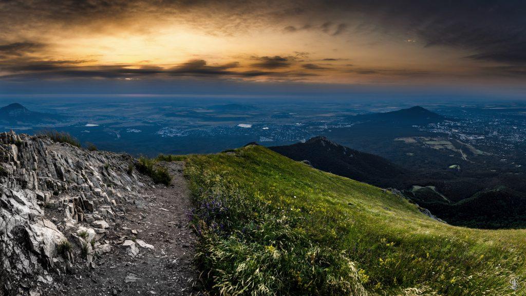 Бештау рассвет, профессиональное фото Александр Тихоненко