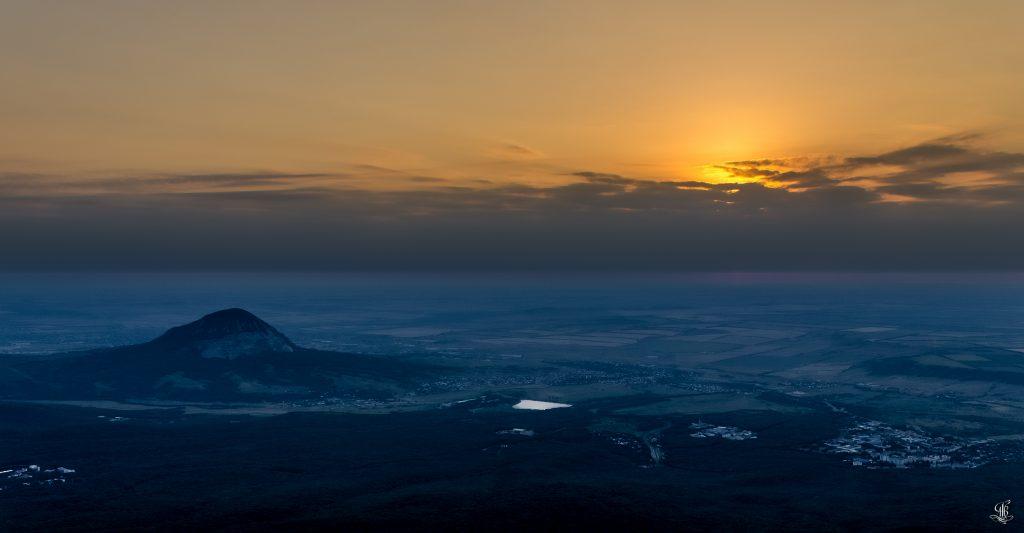 Фото в хорошем качестве с вершины Бештау ранним утром